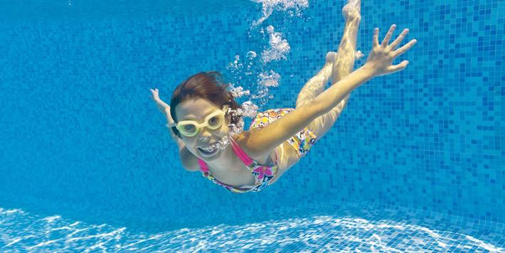 Mozogjon gyermeke biztonságosan a vízben!